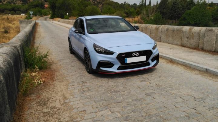 Prueba: Hyundai i30 Fastback N Performance, tan cerca de un GTI, tan lejos de un R.S.